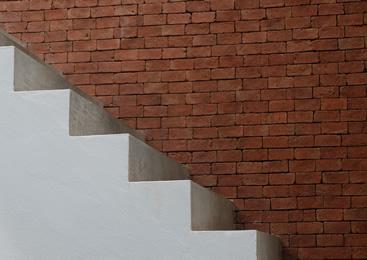Remonty klatek schodowych i pomieszczeń
