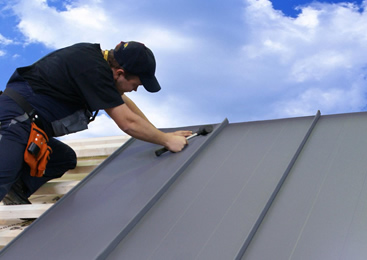 Fachowy i sprawny montaż pokryć dachowych